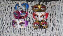 mini maskers