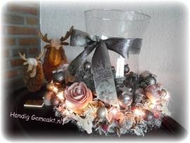 kerstkrans met windlicht
