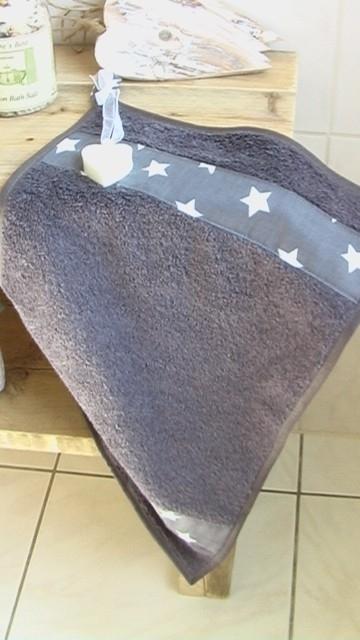 """gastenhanddoek langwerpig  grijs """"Star"""" met zeep"""