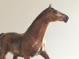 Paard met ingevlochten manen - bronzen beeld