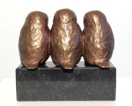 3 uilskuikens - bronzen familiebeeld