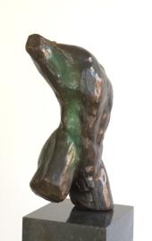 Mannentorso Agapios II - bronzen beeld
