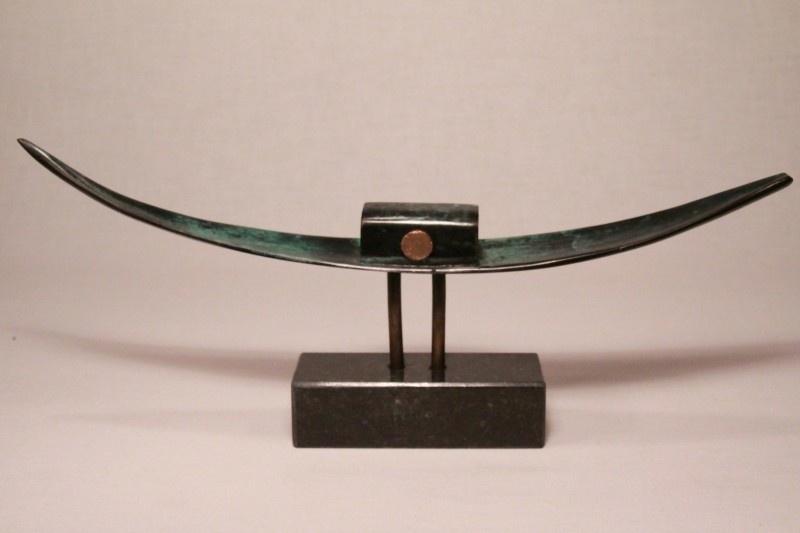 Bootje aan de horizon - gedenkteken brons