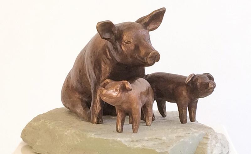 Bronzen beeld varken - zeug met biggen