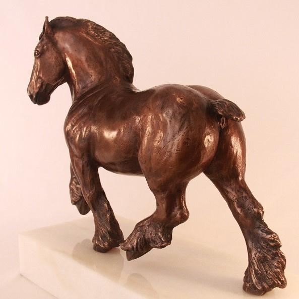 Trekpaard - bronzen beeld