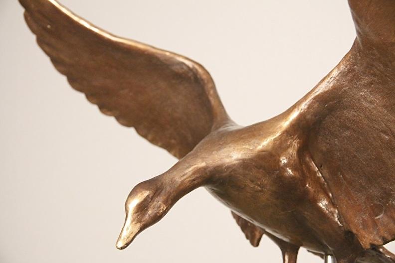 kunstgeschenk huwelijk en verjaardag - bronzen beeld gans