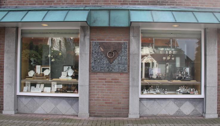 Bronzen gevelbeeld - jubileum juwelier