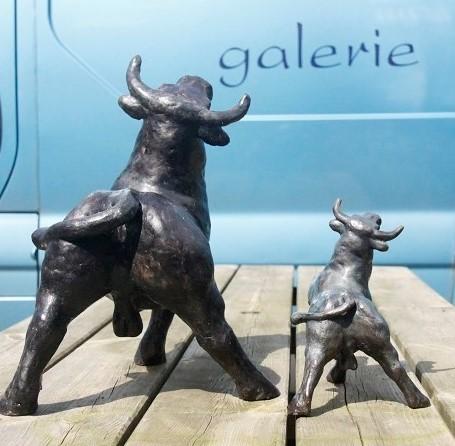 Bronzen beelden klein en groot