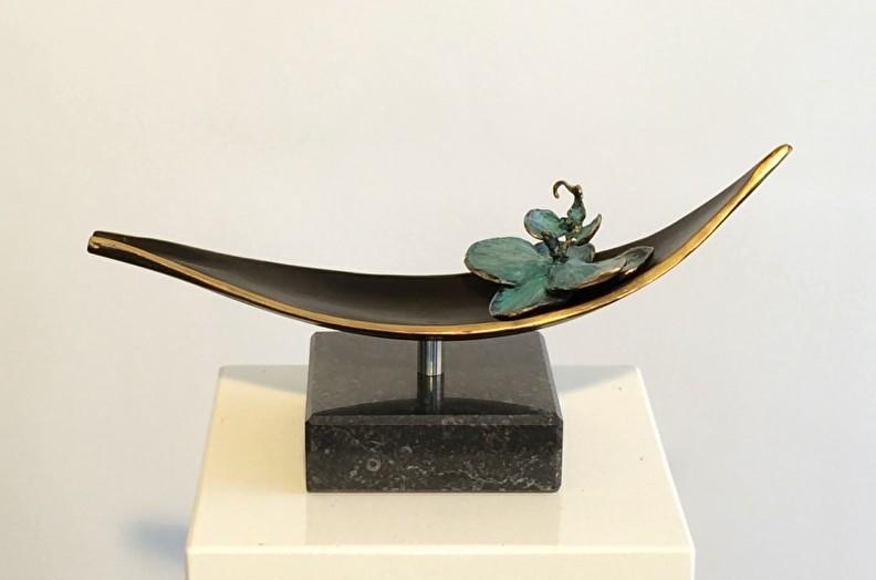 boot met orchidee - gedenkbeeld