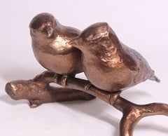 Bronze sculpture Love, trust and loyalty - Together