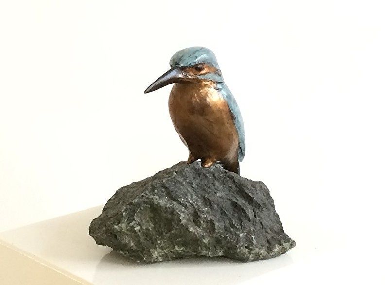 Rustend IJsvogeltje - bronzen beeld voor afscheid of pensioen