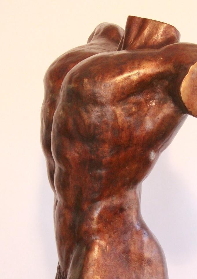 Bronzen beelden mannen