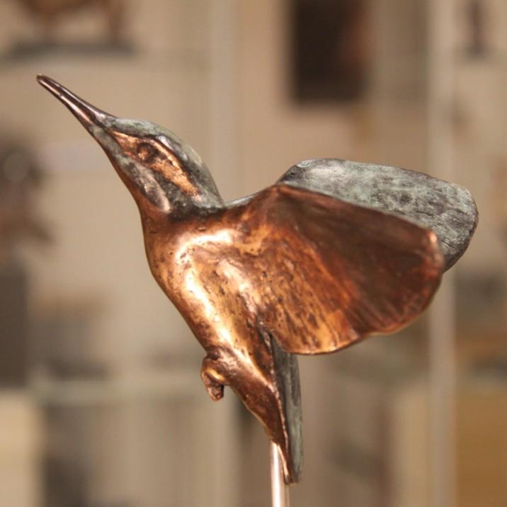 Vogelbeeld brons