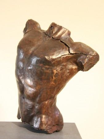 Mannentorso Aniketos - bronzen sculptuur