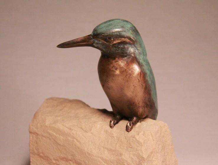 relatiegeschenk brons - oplettend ijsvogeltje