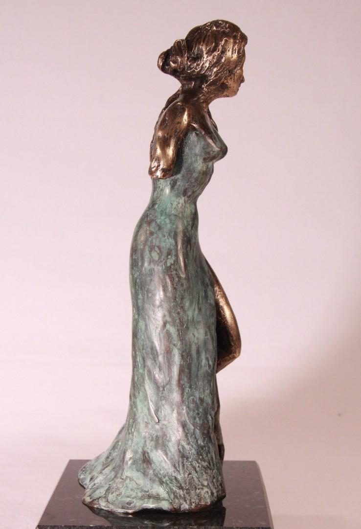 Vrouwenbeeldje Elegance - brons