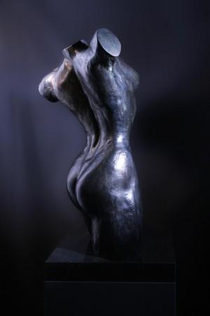 Bronzen beeld vrouw torso