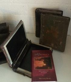 Boekenhoes antique Dagboek McCheyne of Matthew Henry