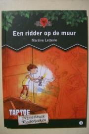 Letterie, Martine-Een ridder op de muur