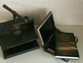 Boekenhoes antique Dagboek Bij het geopende Woord (Gebr. Koster)
