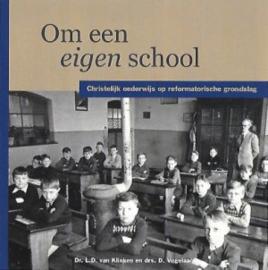 Klinken, Dr. L.D. van en Vogelaar, Drs. D.-Om een eigen school (nieuw)