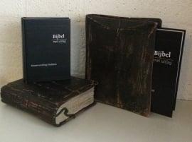 Boekenhoes antique-Bijbel met Uitleg midden formaat (nieuw)