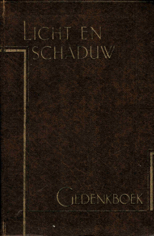 Leeuwen, J.A. van-Licht en Schaduw; Gedenkboek