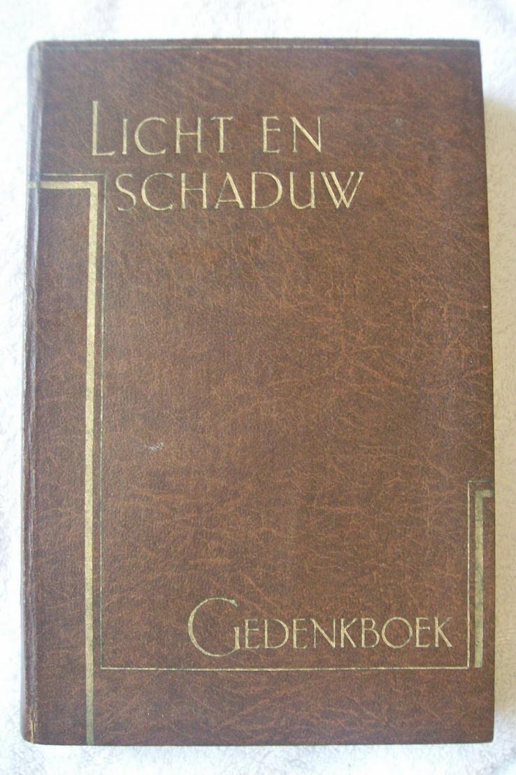 Licht en schaduw-gedenkboek