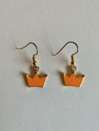 Oorbellen met oranje kroontjes voor Koningsdag