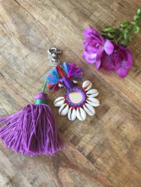 Roze  hanger met schelpjes voor aan je tas | lengte 16 cm.