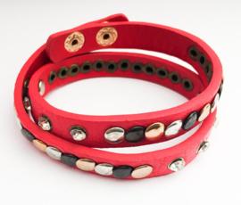 Prachtige Ibiza style armband | kleur rood.