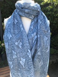 Blauwe sjaal met vlinders.