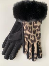 Heerlijke warme handschoenen met panterprint.