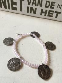 Trendy armbandje met muntjes van het merk Biba