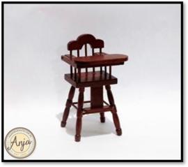 V23213 Kinderstoel noten kleur