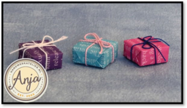 D2442 Cadeaus per drie