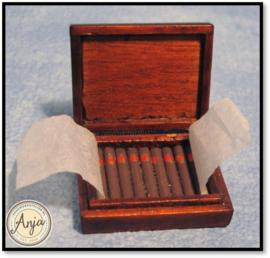 D1636 Houten doos met sigaren