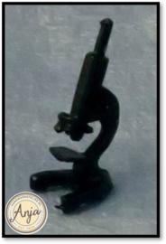 D80638 Microscope