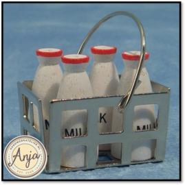 D050 Flessen melk in metalen krat