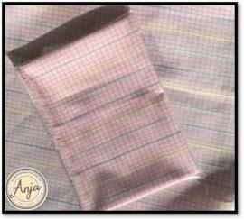 HD1096 Roze blauw geel ruitje