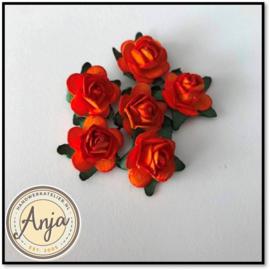 Papieren roosjes oranje per 8