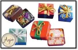 D949 Kerst cadeau en snoep in doosjes