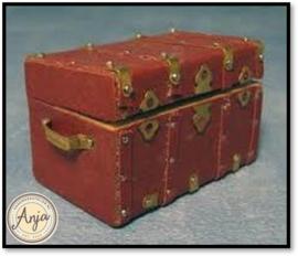 D1732 - Kist rood bekleed