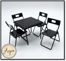 330048 Tafel met vier stoelen inklapbaar