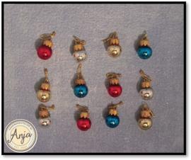 D1115 Gekleurde glazen kerstballen
