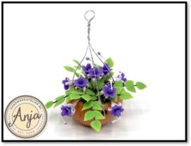 FL36 Hangplant met paarse bloemen