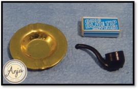 D098 Pijp tabak en lucifers