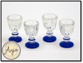 Glazen met blauwe voet, per 4 DA191