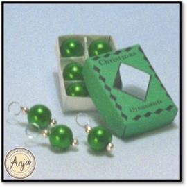 D1768  Doosje groene kerstballen