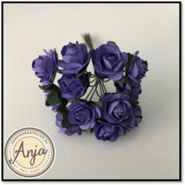 Bosje van 12 paarse papieren roosjes